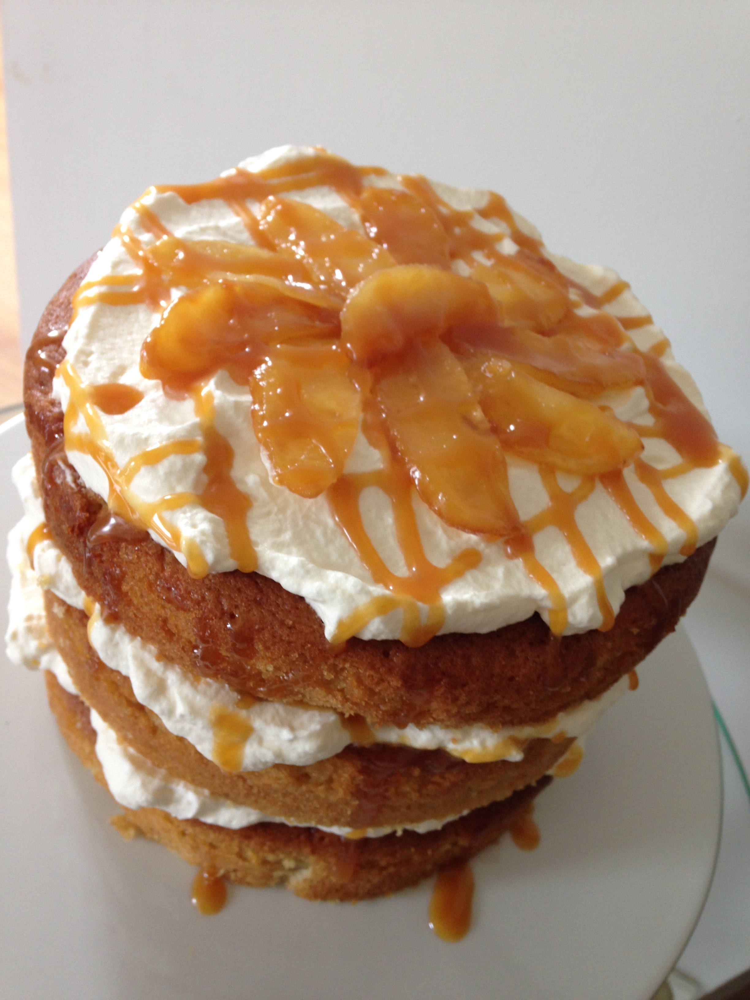 Sticky Toffee Apple Cake – Recipe of the Month | Ovenclean
