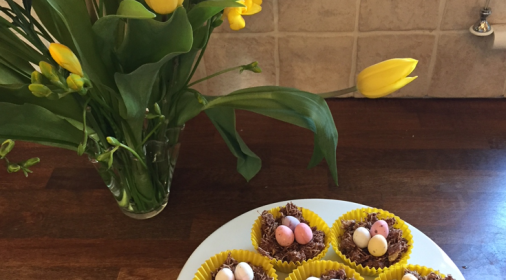cupcakes decorated with mini eggs