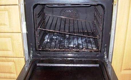 A dirty oven
