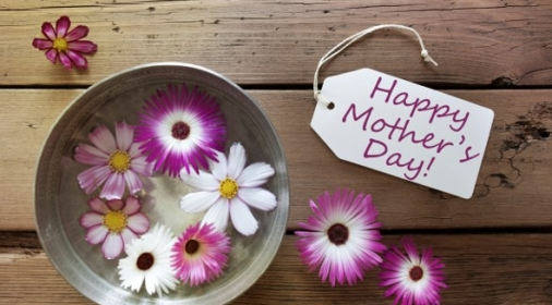 Happy mothers day tag with flowers