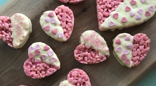 Pink heart valentines day rice crispy cakes