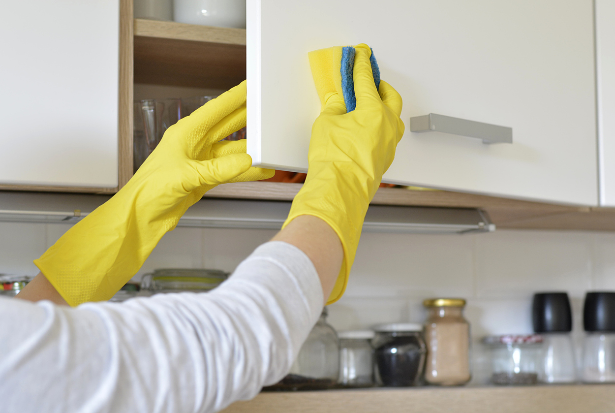 How To Clean Sticky Grease Off Kitchen Cabinets Ovenclean Blog