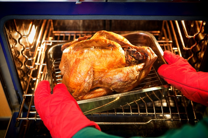 How to Remove Turkey and Duck Grease from Your Oven